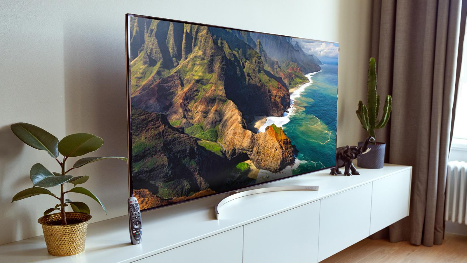LG SUPER UHD TV - Power fi