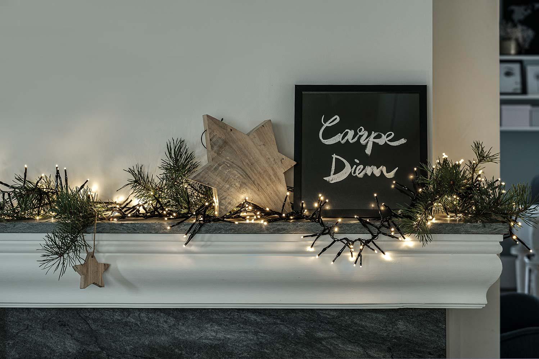 Mikä valojen loiste! Päivin pihalla Parolassa on kenties Suomen komeimmat jouluvalot – tätä näkyä tullaan katsomaan kauempaakin